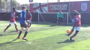 fa people's cup: hammers keeper saves a point