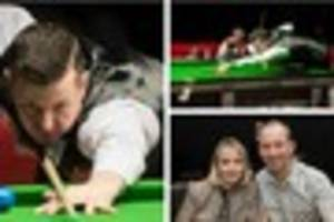 final of the world seniors snooker championships - pictures