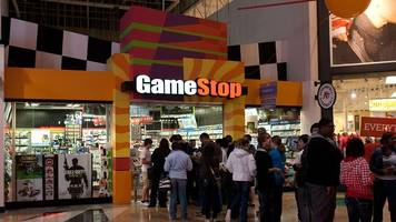 gamestop took a beating in holiday sales, and will close 150 stores in 2017