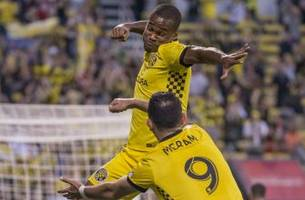 mls roundup: niko hansen's late goal lifts crew over timbers