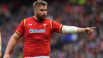 tomas francis: cardiff blues look to sign prop from exeter chiefs