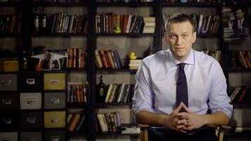 russian opposition figure arrested during anti-corruption protests