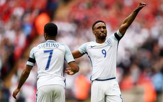 southgate: golden oldie defoe can make world cup squad