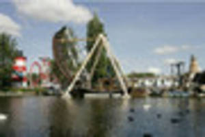 Watch Drayton Manor's latest ride being built