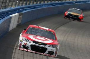 Kyle Larson, the California Kid, survives crazy finish to win Auto Club 400