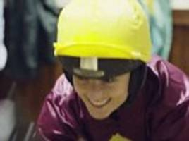 samantha quek, katie walsh, laura wright try  new sports
