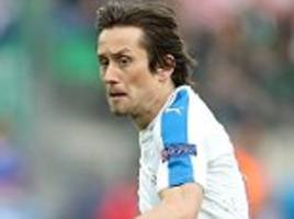 tomas rosicky ruled out for the rest of the season