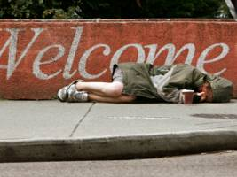 giving people $1,000 in 'emergency cash' could prevent homelessness