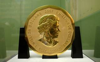 someone has managed to steal a massive 100kg gold coin from a german museum