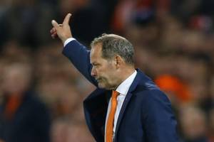 netherlands head coach danny blind fired