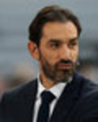 robert pires: this is the real problem for arsenal this season