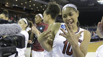 South Carolina becomes 10th school to make men's, women's Final Four in same year