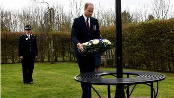 Prince William lays wreath for London attack officer