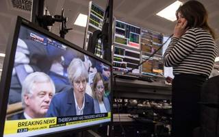 may sticks to her plan for two yeas of brexit negotiations