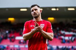 lee johnson confirms the bristol city plan if bailey wright is too jet-lagged for brentford clash