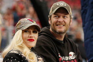 "gwen stefani, blake shelton ordered to show more pda's in ""the voice"" after ratings flopped [report]"