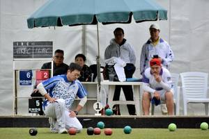 veteran bowler chok aims for national glory with newcomer lo