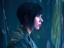 'ghost in the shell' is a stunning sci-fi thriller — but it has one massive problem