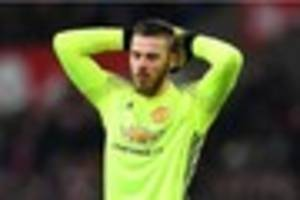 Premier League Gossip: Manchester United sweating over goalkeeper