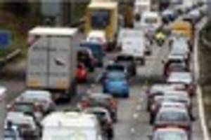 there are huge delays on the m25 after a crash near sevenoaks