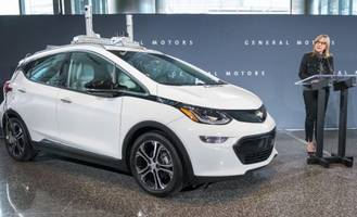 proposed laws may favor general motors' self-driving cars and sideline competitors