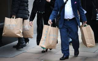 british consumers look past economy gloom as confidence stays steady