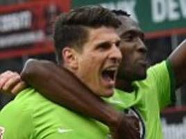bayer leverkusen 3-3 wolfsburg: gomez hits treble in draw