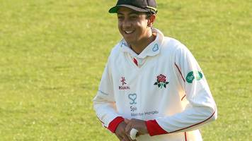 essex v lancashire: haseeb hameed shakes off injury to score 47 for visitors