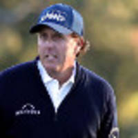 mickelson confident while couples turns back clock