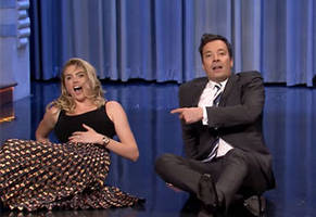 kate upton and kimmy fallon have an epic dance off