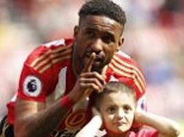 cancer patient bradley lowery leads sunderland onto pitch