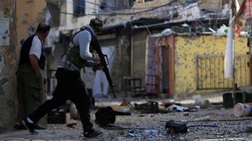 clashes rock palestinian refugee camp in lebanon