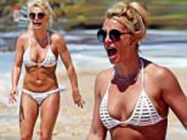 britney spears sizzles in tiny string bikini in hawaii
