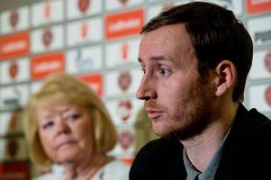 hearts chief ann budge backs ian cathro and insists craig levein does not pick the team