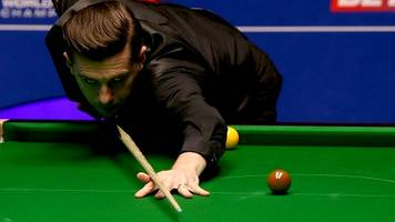champion selby leads 8-1 in crucible opener