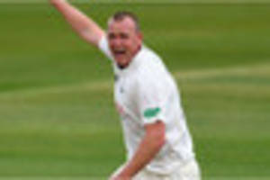 watch luke fletcher agonisingly run out for 92 as nottinghamshire...