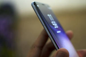 samsung takes steps to block users from remapping the galaxy s8's bixby button