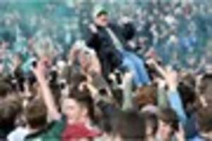Plymouth Argyle OAP fan goes crowd-surfing in his wheelchair