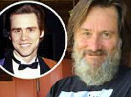 jim carrey shocks fans with selfie showing ray bushy beard