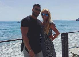 poor britney spears! sam asghari is only dating her for fame