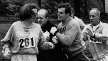 Boston Marathon's first woman Kathrine Switzer competes 50 years later
