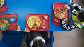 obesity campaigners call for more salads and fewer puddings in school
