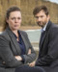 tv fans beg 'don't axe our broadchurch' as finale draws over 9million viewers