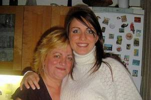 east kilbride woman on a mission to fundraise for stroke charity in memory of her mum