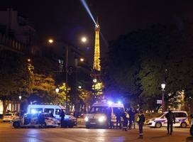 Islamic State Claims Responsibility For Paris Shooting With One Police Officer Dead, Two Wounded