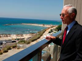 Stanley Fischer defends the revolving door between Wall Street and the Fed —without mentioning he's part of it