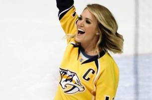 Carrie Underwood trolls Blackhawks after Predators sweep Chicago in first round