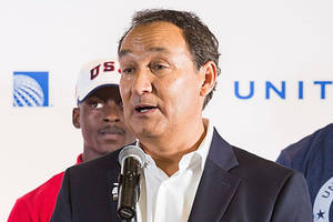 united airlines fallout: now ceo won't become chairman next year