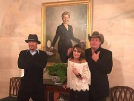 ted nugent on white house trip: someone suggested we flip the bird at hillary portrait