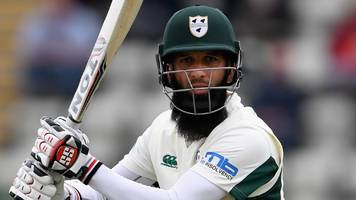 worcestershire v northamptonshire: moeen ali hits 50 but bowlers dominate